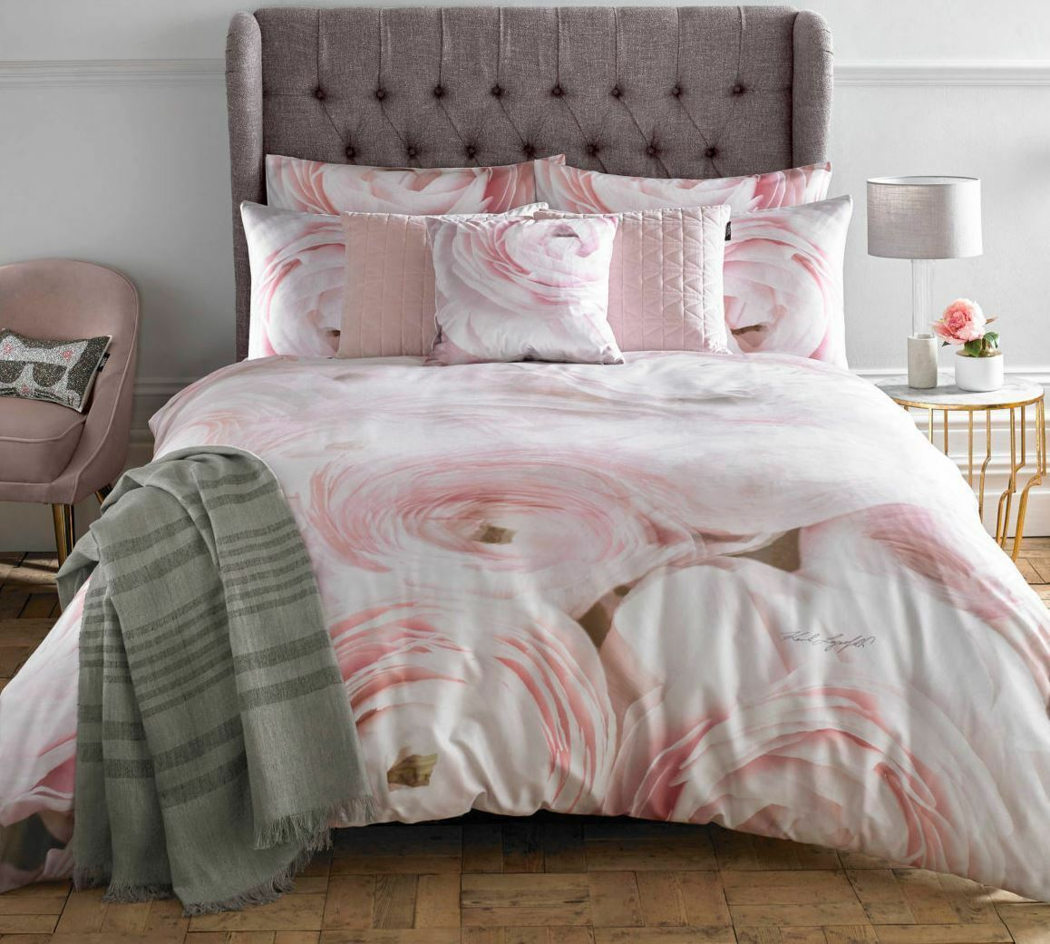 Karl Lagerfeld Rana pink 100% cotton 220 Thread Count Duvet Cover Collection