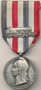 Medaille-d-039-honneur-des-chemins-de-fer-coloniaux-pour-l-039-Indochine