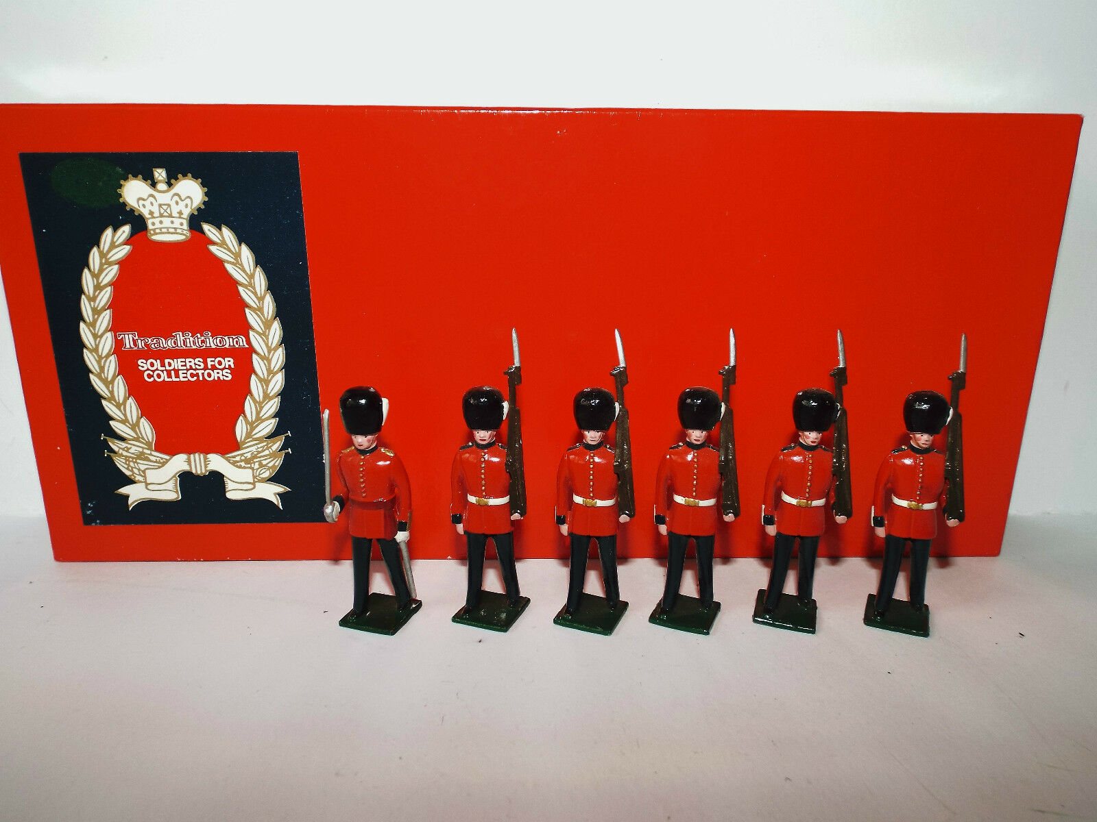 TRADITIONAL NO1 GRENADIER GUARDS 1900 FIGURE SET BOXED (BS1180)