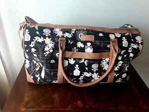 Adrienne-Vittadini-printed-canvas-travel-bag-duffel
