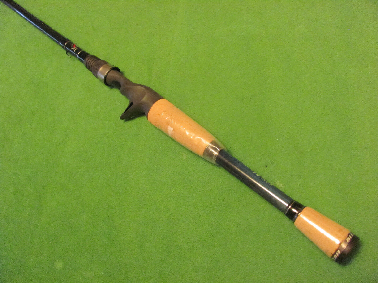ALL STAR JIG 6' 8  MEDIUM HEAVY EXTRA FAST ACTION CASTING ROD NEW