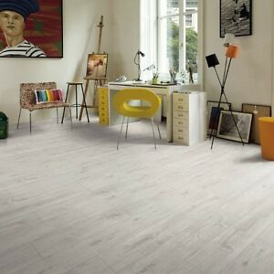 Oak-Wood-Textured-Laminate-Flooring-Chalky-White-11mm-11-67m2-SAMPLE-99p