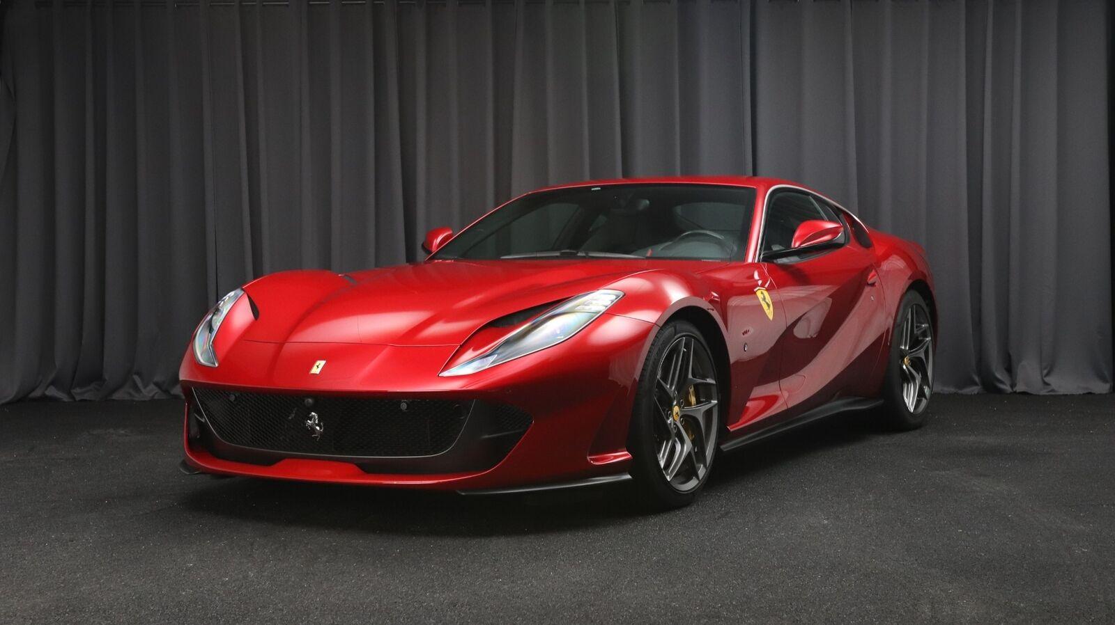 Ferrari 812 Superfast 6,5 DCT 2d