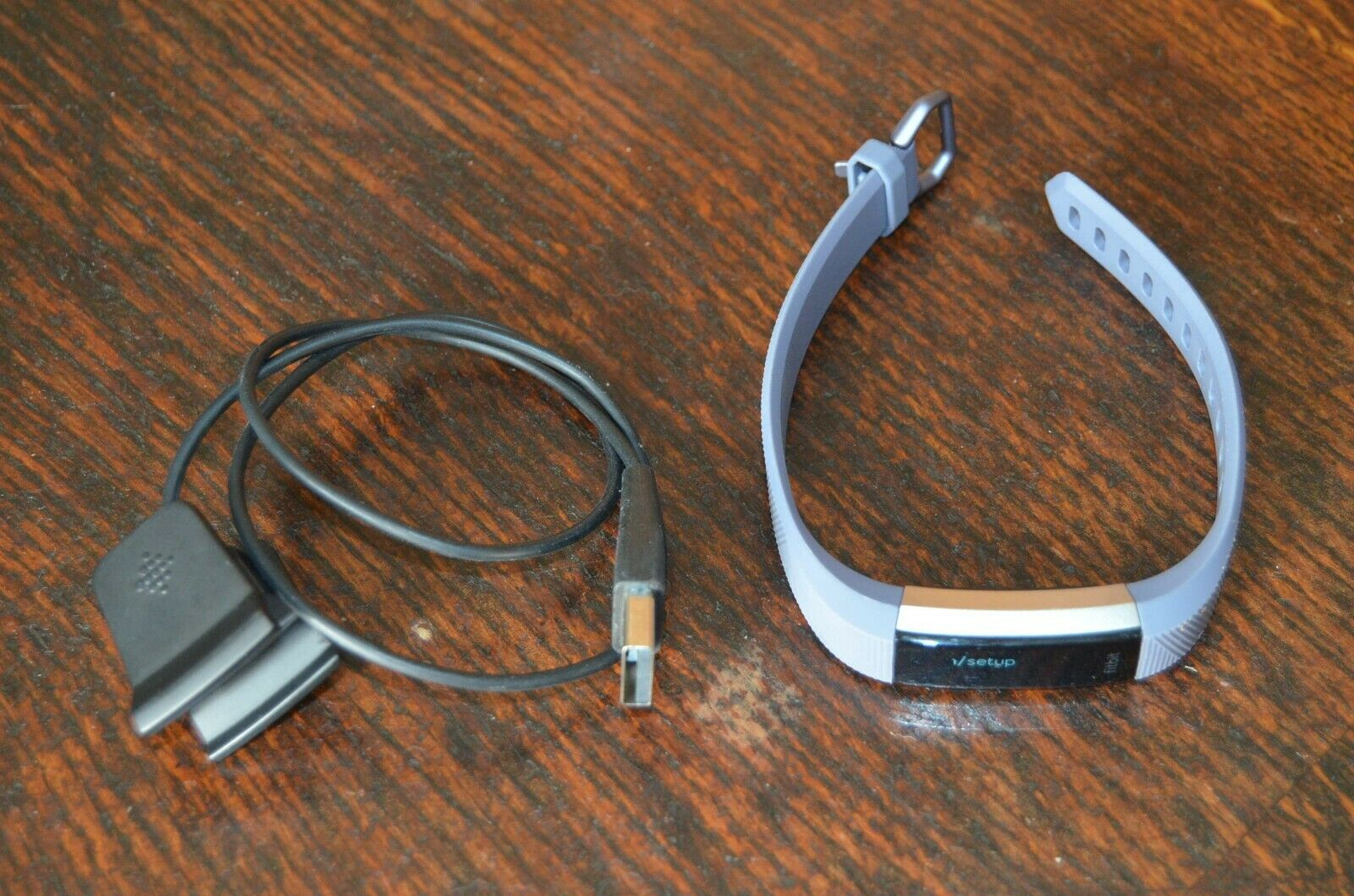 Genuine! Fitbit Alta HR Fitness Tracker with Charger Size Medium to Extra Large