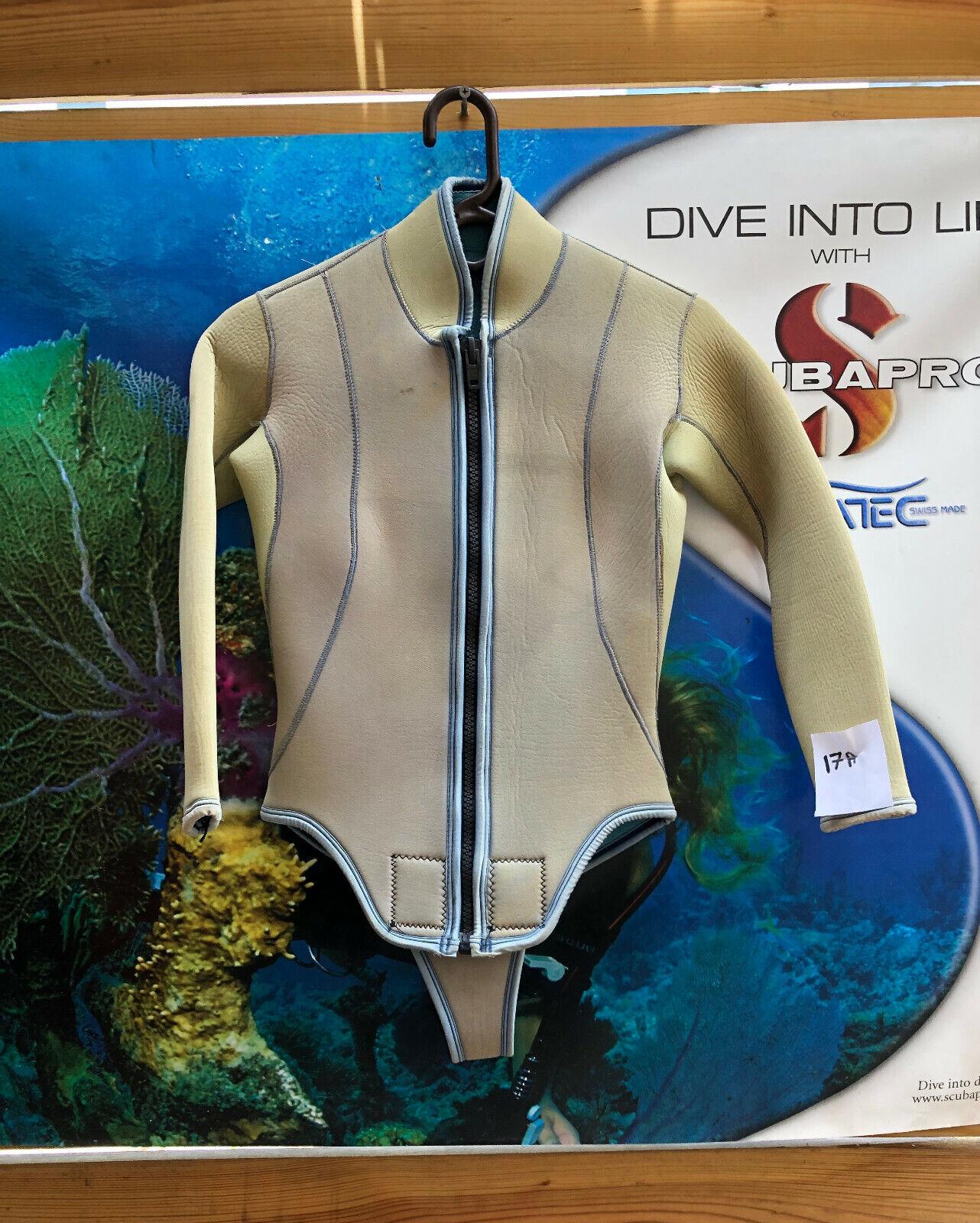 Medium Women's 2 Piece Wetsuit, 5mm, Tan w Light bluee