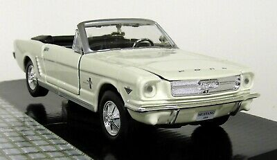 Scale 1:24 1964 Ford Mustang Convertible Cabrio Diecast Model Car 73212 Red