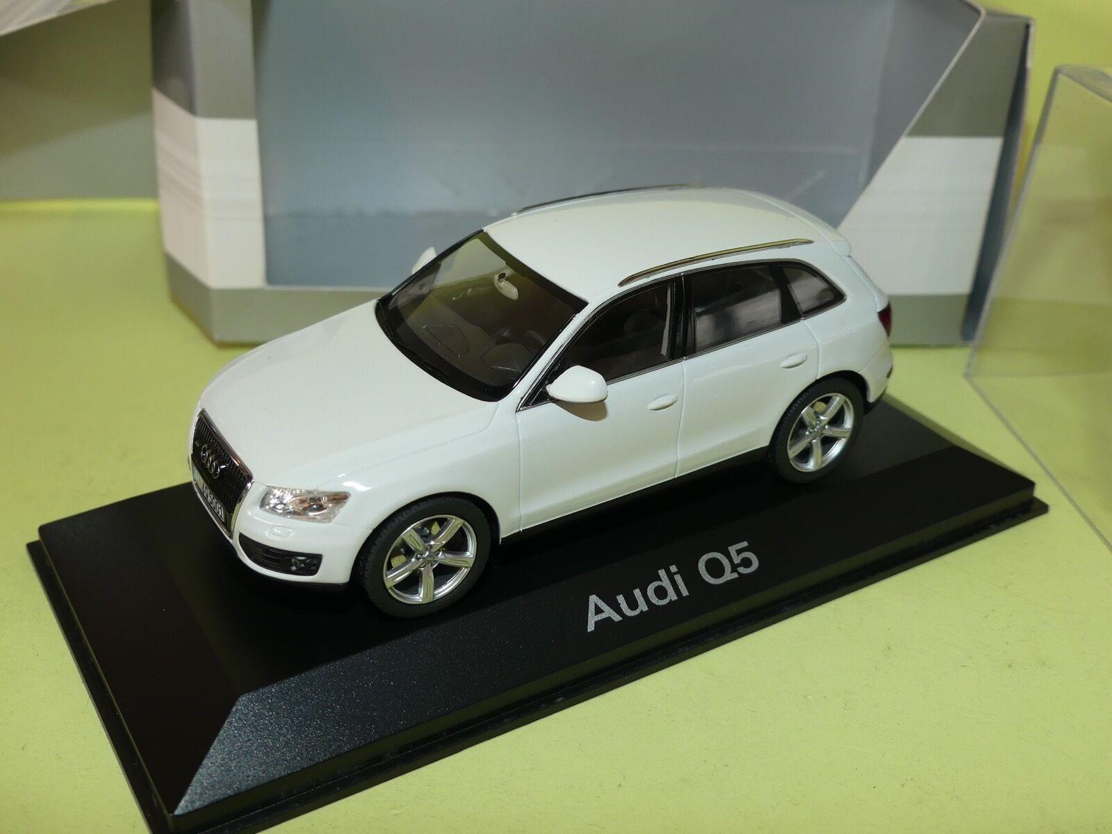 AUDI Q5 Phase 1 Blanc  Marbella 2008 Vielen Dank  SCHUCO 1 43