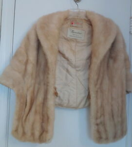 lane bryant genuine natural pale beige mink fur stole. Black Bedroom Furniture Sets. Home Design Ideas