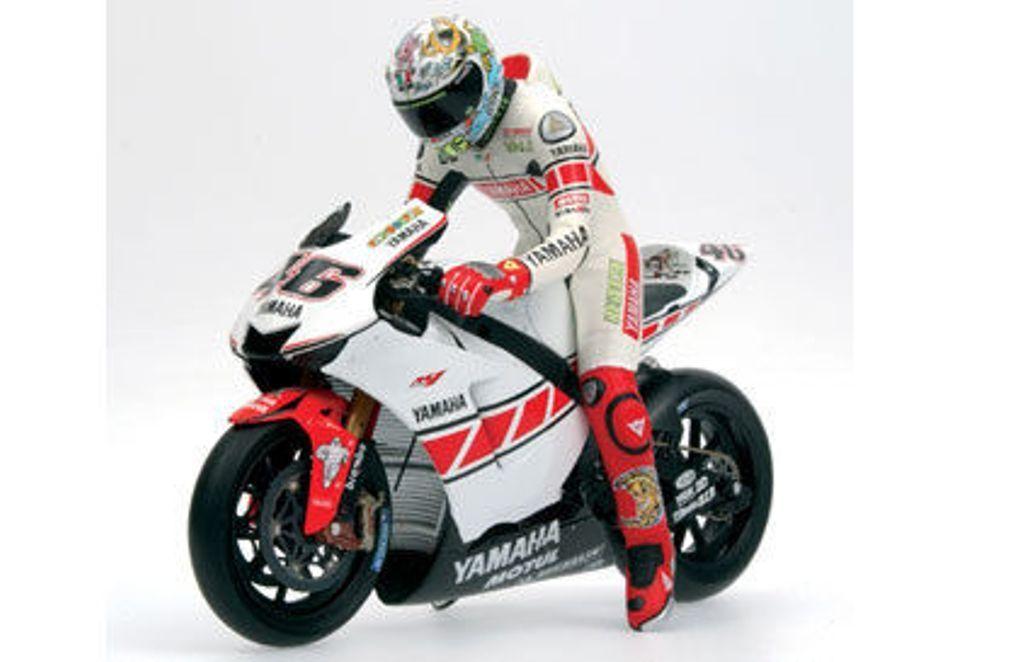 MINICHAMPS 312 050086 050086 050086 VALENTINO ROSSI riding figure Valencia MotoGP 2005 1 12th 9c9727