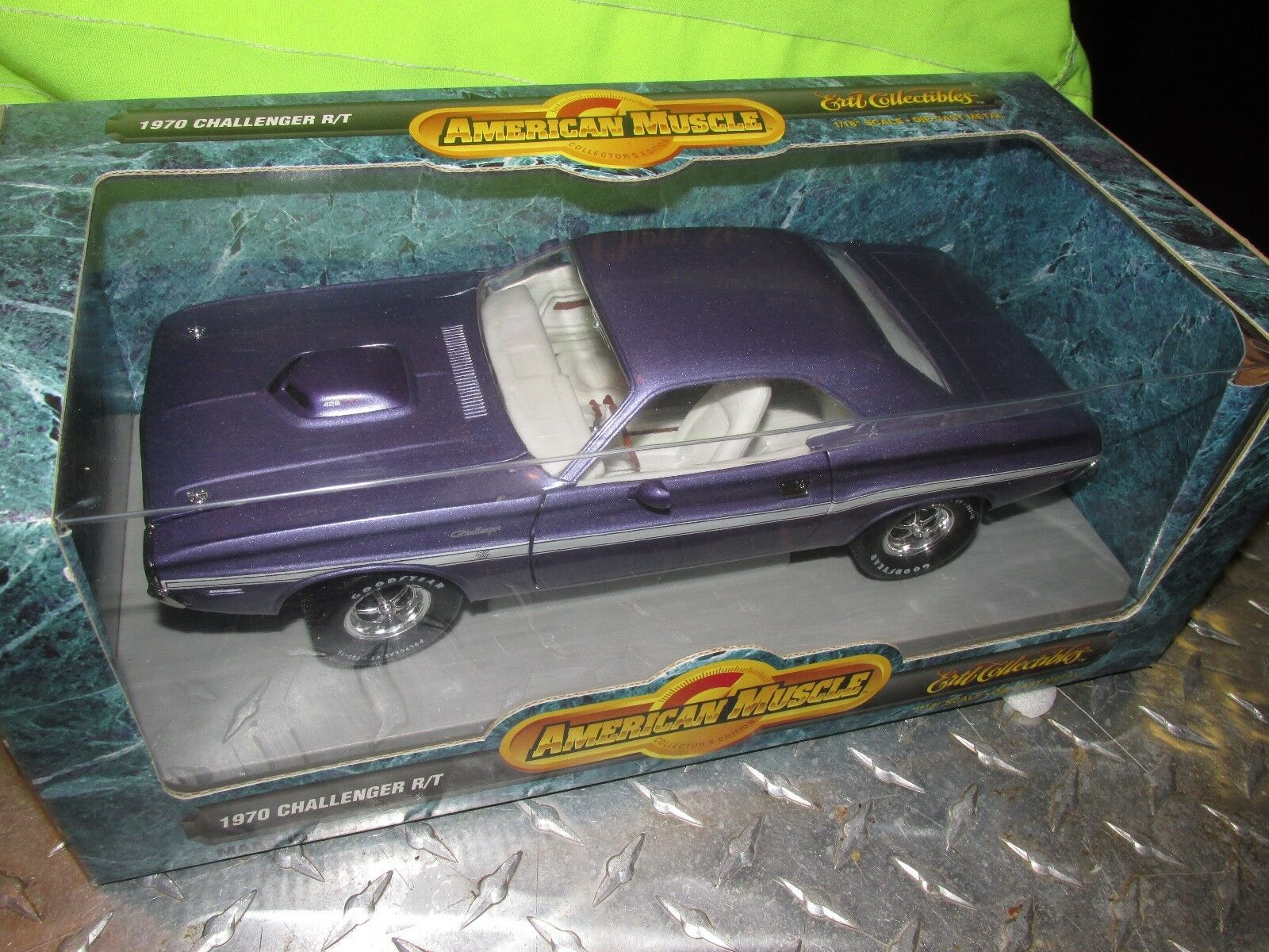 70 1970 CHALLENGER R T DODGE purple MOPAR AMERICAN MUSCLE ERTL 1 18 32016