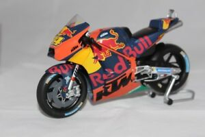 KTM-2017-Espargaro-1-12-Reproduction-Constructeur
