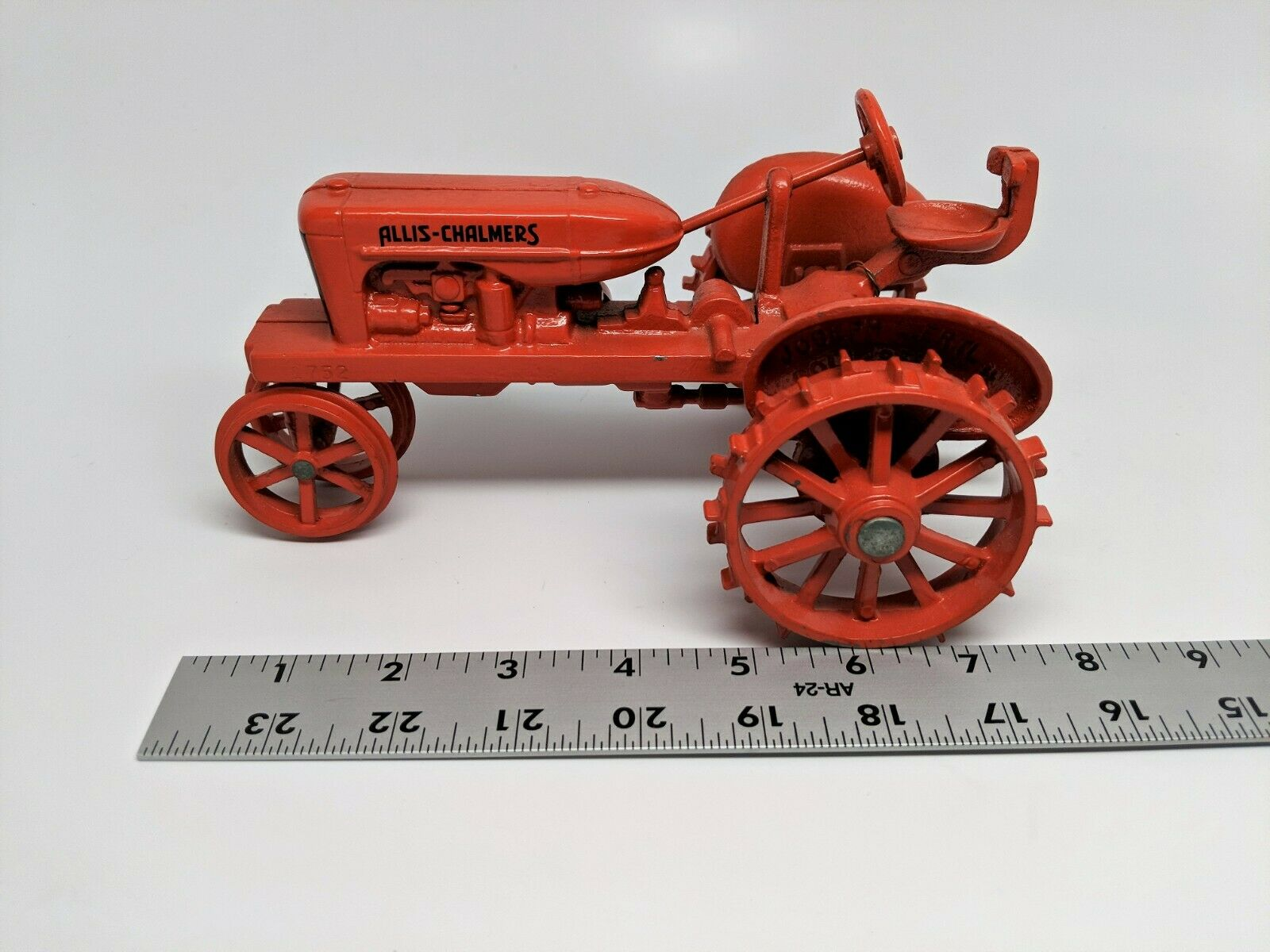 Scale Models - Allis Chalmers WC - Joseph ERTL Collectors Series  12 - 1 16