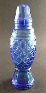 VINTAGE-AVON-BLUE-GLASS-SALT-SHAKER-W5-6