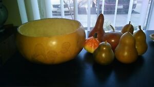 VINTAGE-NATIVE-AMERICAN-PAINTED-GORD-BOWL-WITH-FRUITS-ALL-IN-ONE-RARE-ESTATE