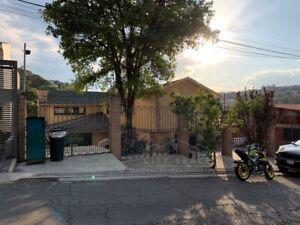 Casa en venta en Condado Sayavedra con un departamento