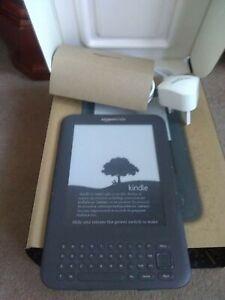Amazon Kindle Keyboard (3rd Generation) 4 GB, Wi-Fi + 3G (Unlocked), 6 In
