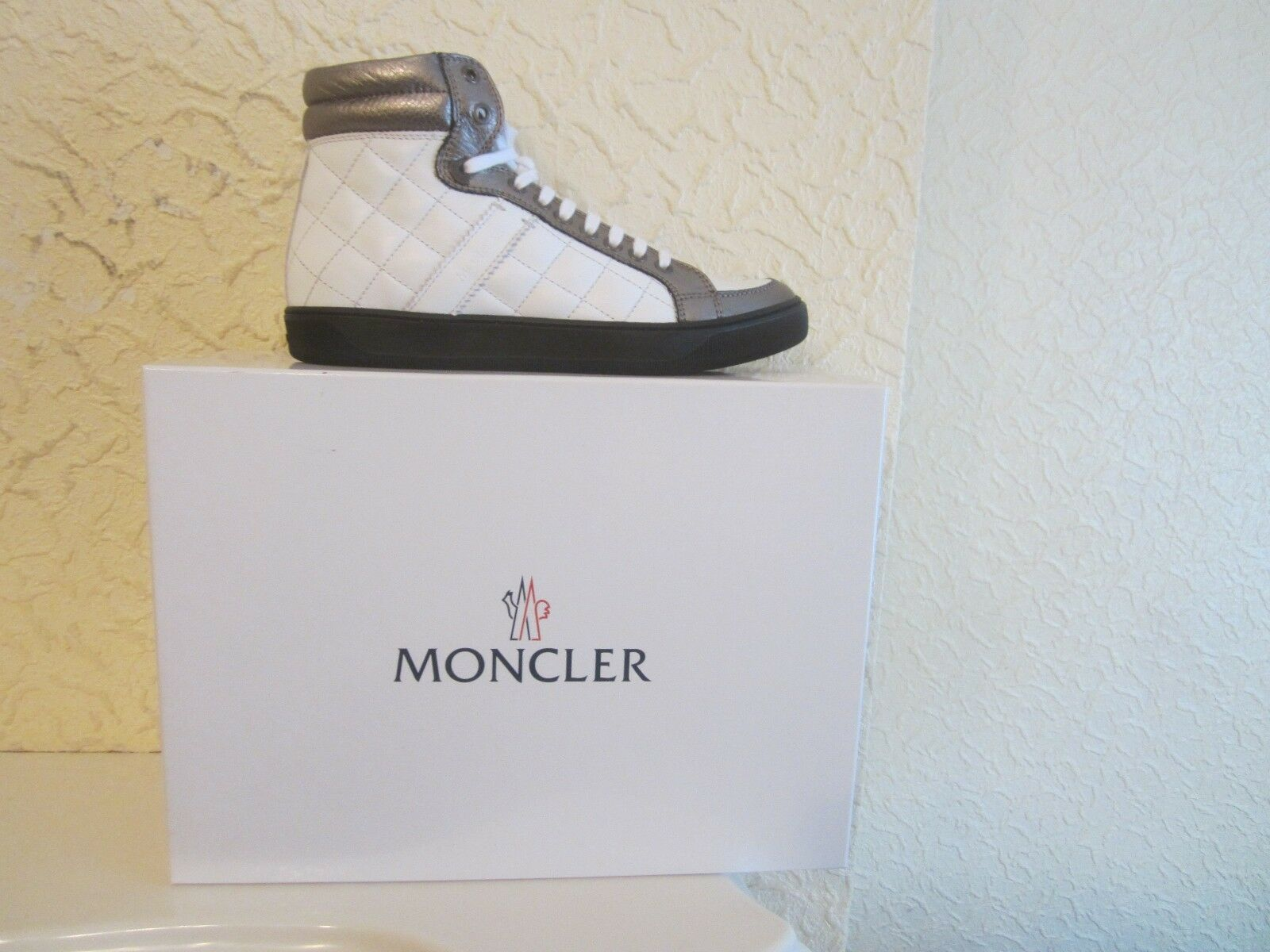 Moncler New Bordeaux Quilted Leather Women's Sneakers