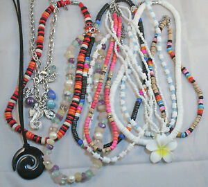 NECKLACES-5-x-assorted-Ladies-necklaces-50-cents-each