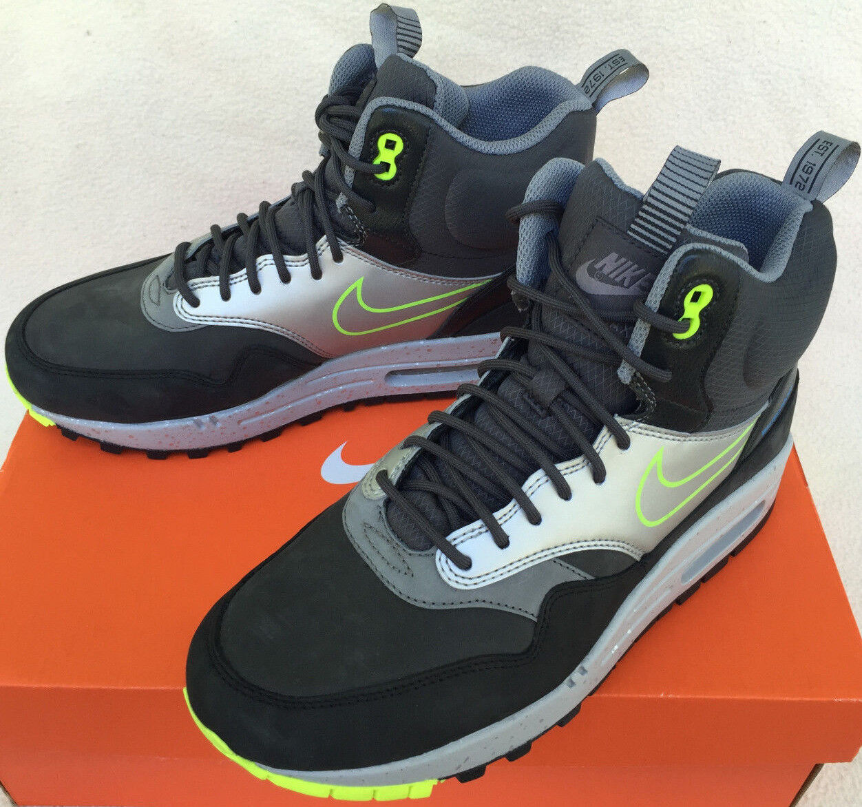 Nike Air Max 1 Mid Sneakerboot WP 685269-002 Noir Volt Chaussures Bottes femmes 8.5