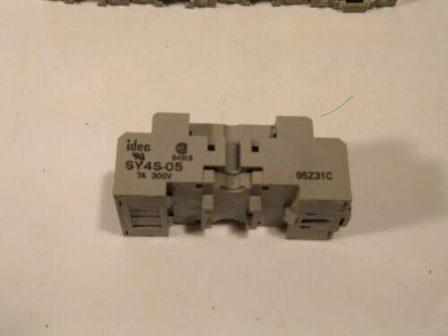 IDEC 120V DC RELAY /& BASE 14 BLADE RY4S-U SY4S-05 QTY 5