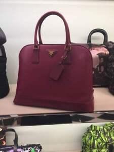 87a8d567518423 Image is loading Prada-Promenade-Handbag-Saffiano-Leather-Medium