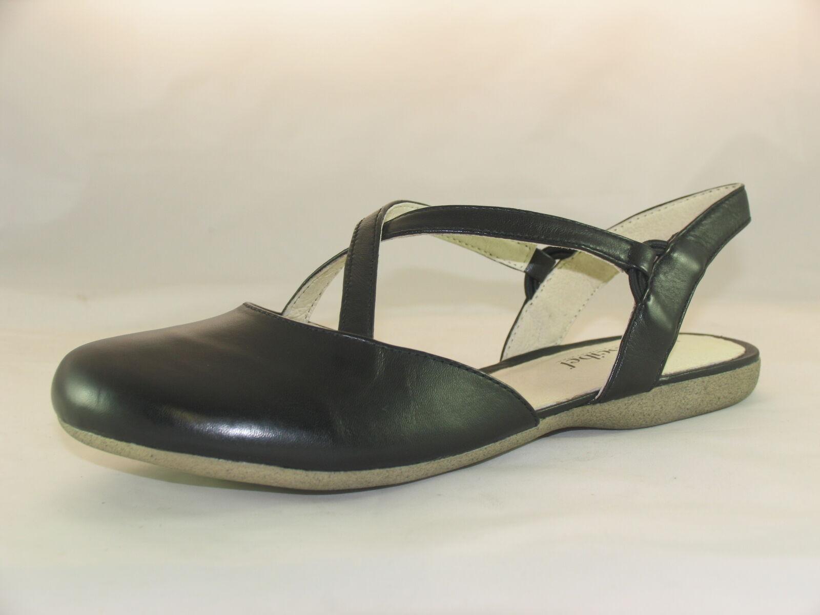 Womens Josef Seibel Fiona 13 Closed Toe Sandals
