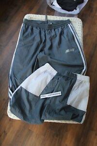 buy popular e0ce2 08f1e Image is loading Palace-Adidas-Shell-Track-Pant-1-Onix-Size-