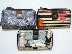 NWT* SakRoots Artist Circle Phone crossbody wristlet bags / horizontal