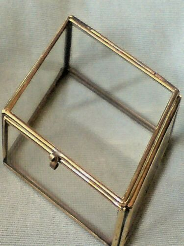 "£4.50 NWT PRETTY BRASS /& GLASS DIAMOND SHAPED BOX  L 3.5/""x W.2.5/""x H 1.00/"""