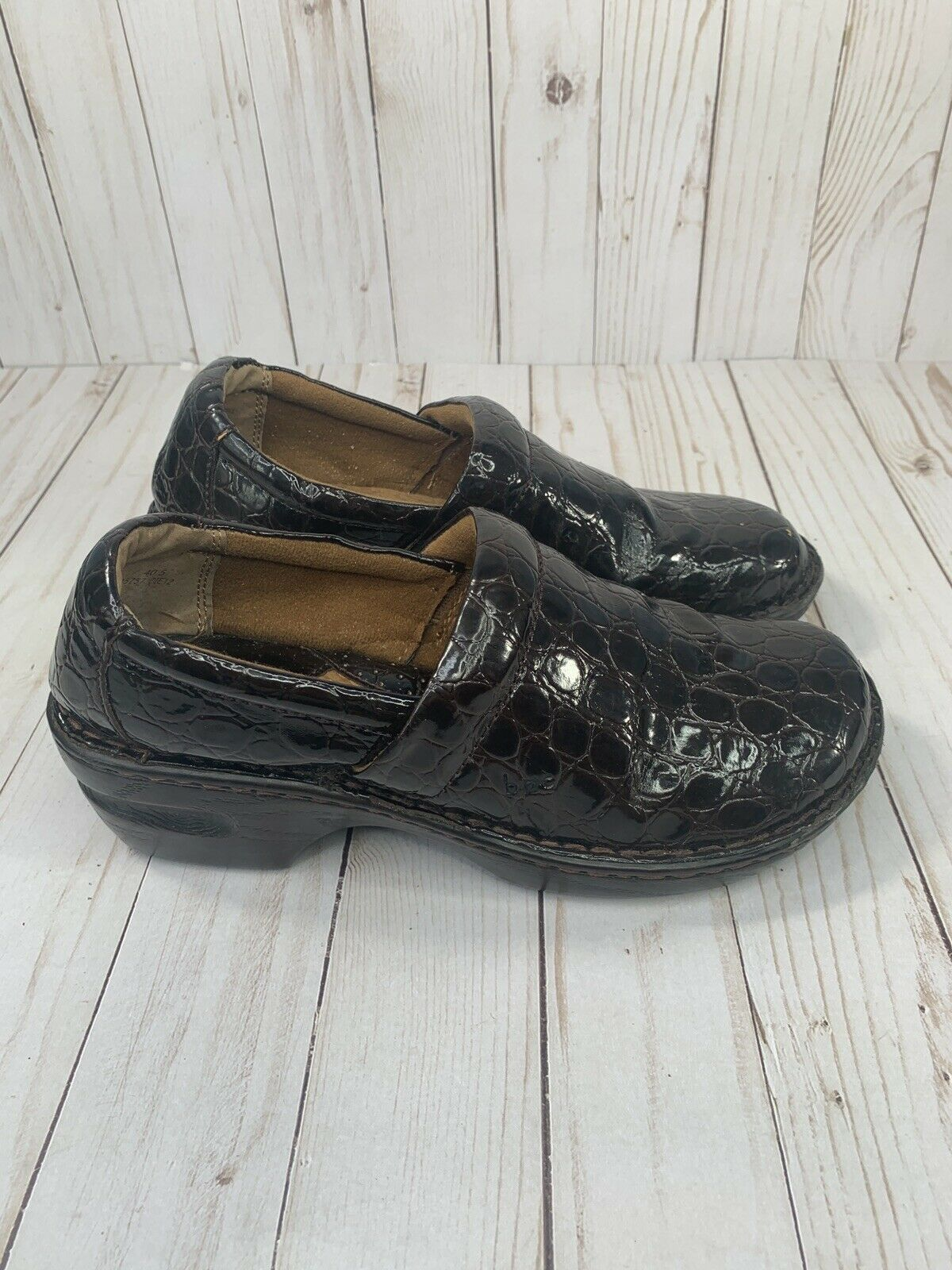 b.o.c. By Born 'Peggy' Brown Crocodile Embossed Clogs Size 9