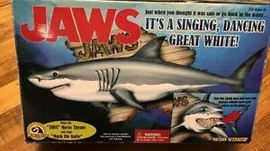 Vintage-Gemmy-JAWS-Big-Mouth-Billy-Bass-Mack-the-Knife-Singing-Shark-Fishing-Box