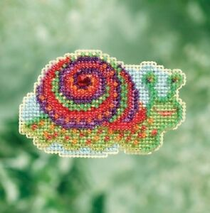 Snail-Spring-Bouquet-2017-Mill-Hill-Counted-Glass-Bead-Kit-w-Treasure