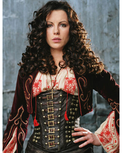 Beckinsale, Kate [Van Helsing] (10695) 8x10 Photo
