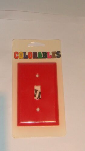 COLORABLES SOLID RED SINGLE SWITCH SWITCHPLATE NEW IN PACKAGE