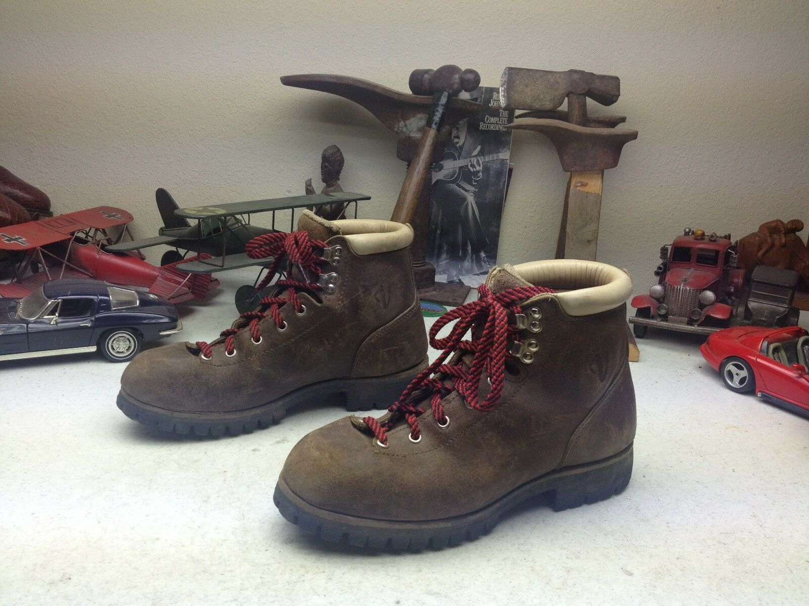 VINTAGE VASQUE LACE UP DISTRESSED BROWN MOUNTAIN TRAIL BOSS BOOTS 7.5 M