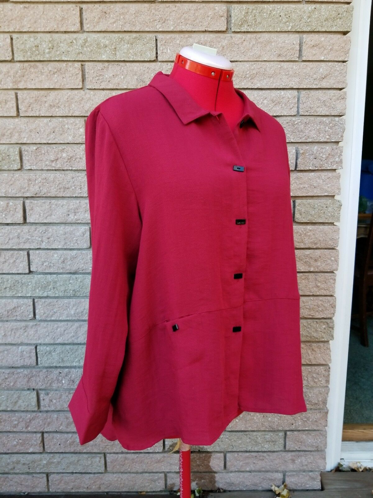New HABITAT SMALL Claret rot button down blouse top