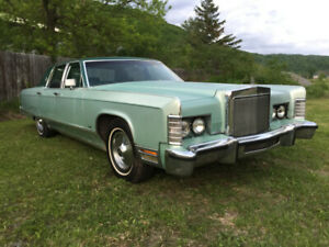 1977 Lincoln Continental with 460 big-block.