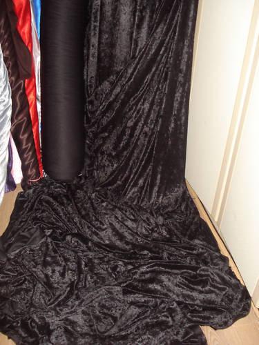 4meters BLACK CRUSH VELVET 58  WIDE
