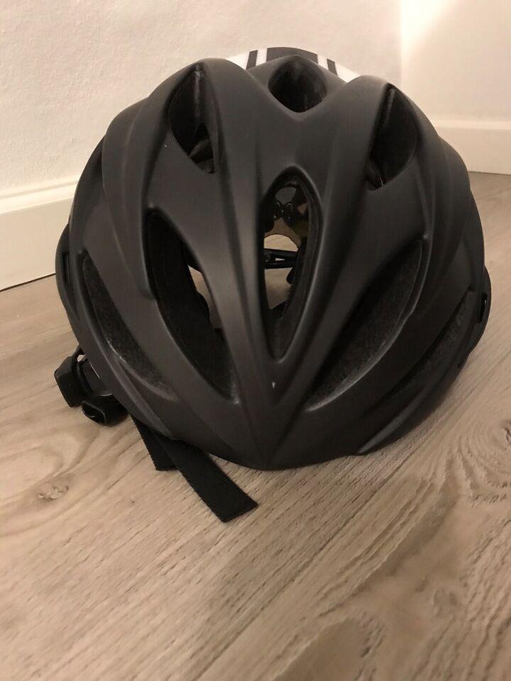 Cykelhjelm, GIRO CYKELHHELM