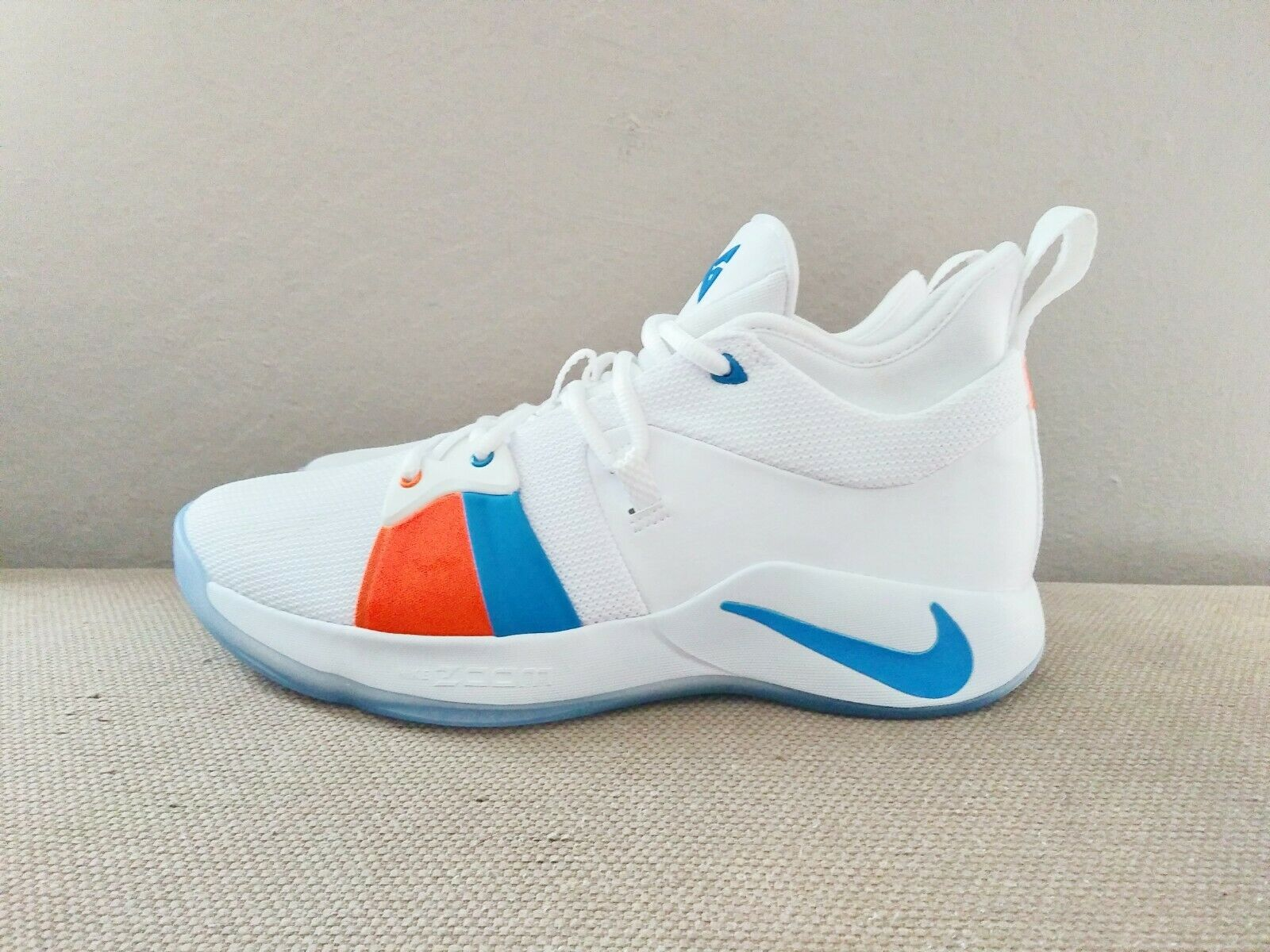 New DS Nike PG 2 The Bait II White bluee orange men sz 10 10.5 11 11.5 12 or 13