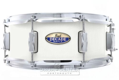"""Pearl Decade Maple 14/""""x5.5/"""" Snare Drum White Satin Pearl Video Demo"""