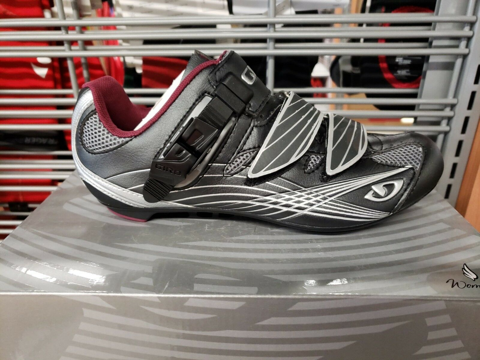 Giro Solara Women's Road shoes. New in box. Size 38   quality first consumers first