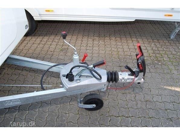 Adria Aviva 400 DK, kg egenvægt 850, kg totalvægt 1100