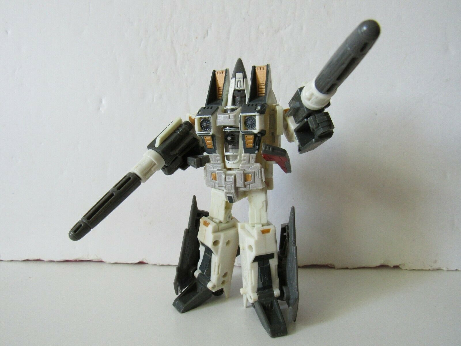 Transformers Generations Classics Decepticon Seeker Ramjet 6  Action Figure