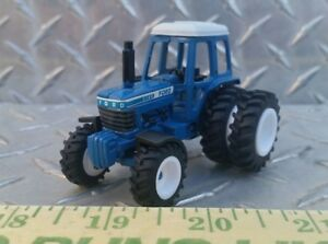 1-64-CUSTOM-ERTL-FARM-TOY-nh-FORD-9700-fwa-duals-DETAILED-TRACTOR-STANDI-RUBBER