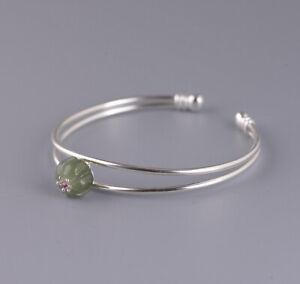 I05-Armspange-Silber-925-Bluete-aus-gruener-Jade-und-rotem-Zirkonia-Kristall