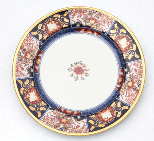 *handmade*【kutani 】arita 【Hello kitty × Old Imari】Dish Plate small