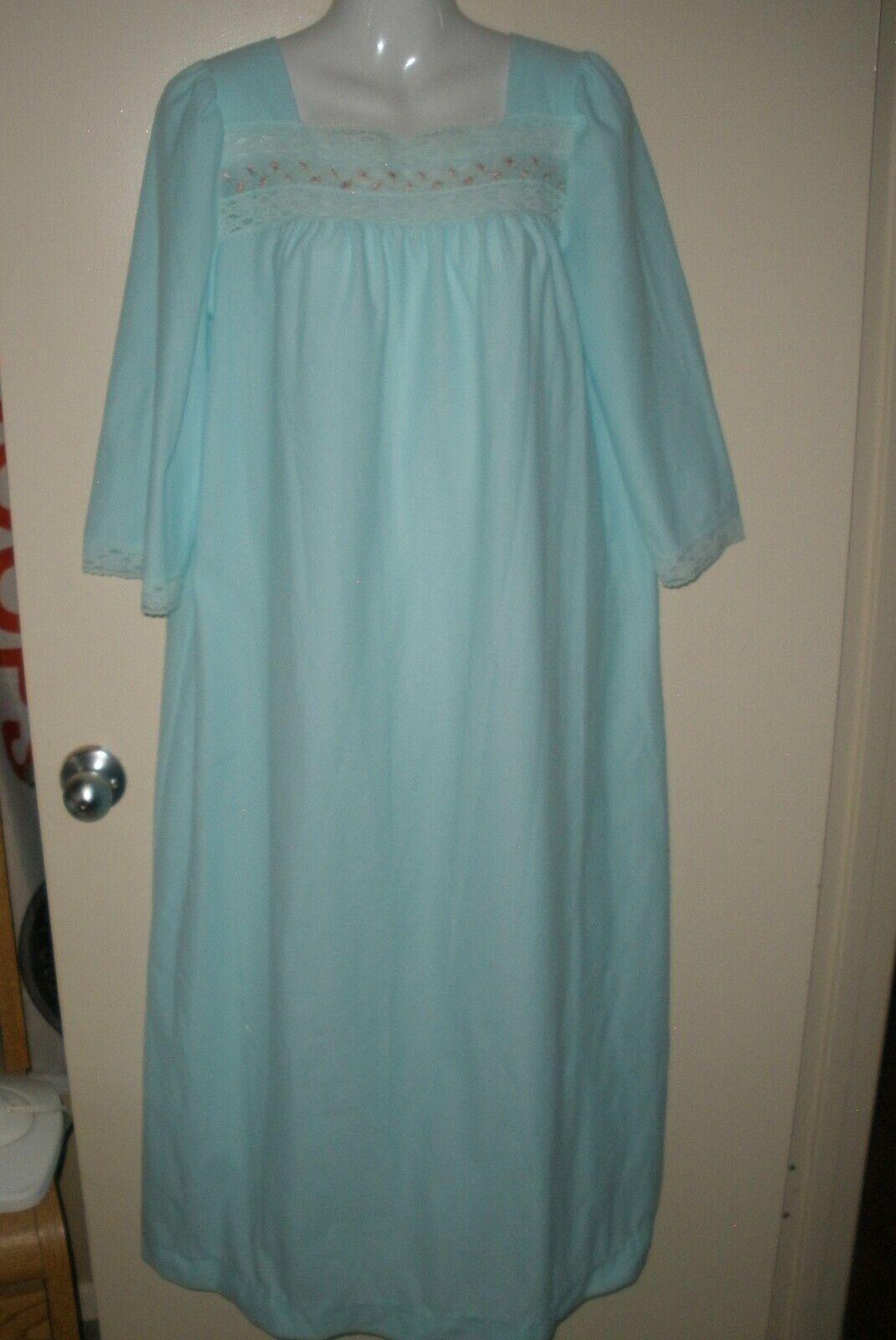 #956 Vintage M Vanity Fair Nightgown Teal Blue Long Sleeved Fleece Lined