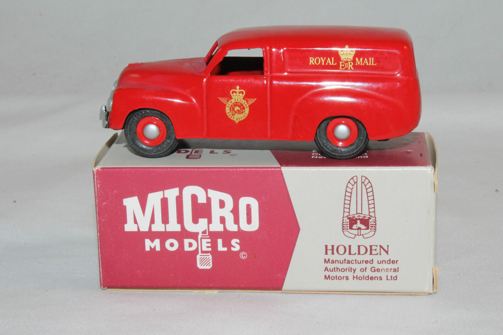 Micro Models  MM404 FJ Holden Panel Van, NZ Royal Mail, Outstanding, Boxed