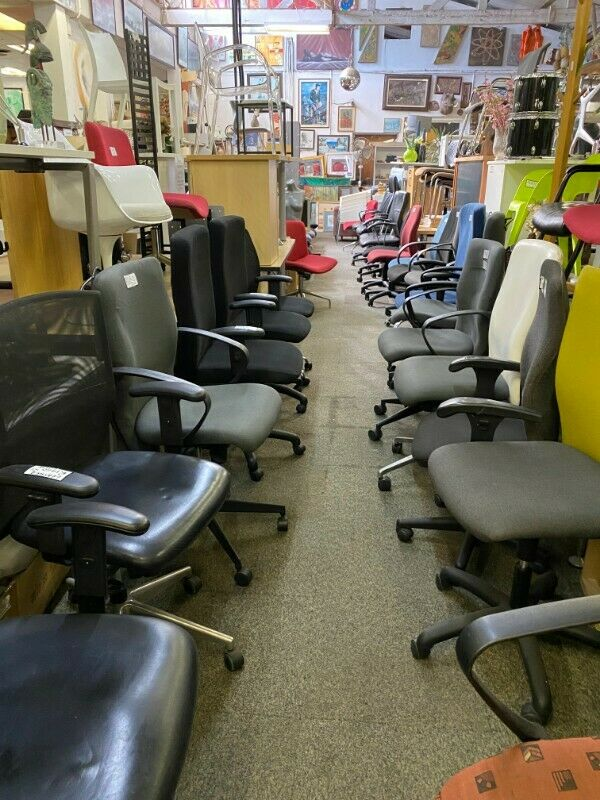 AFFORDABLE OFFICE FACTORY SHOP HAS A 30% MASSIVE SALE ON ALL CHAIRS, FILING CABINETS, BOOKCASES ETC